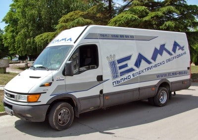 Рекламна графика от плотерно изрязано автомобилно фолио за фирмен микробус - ЕЛМА