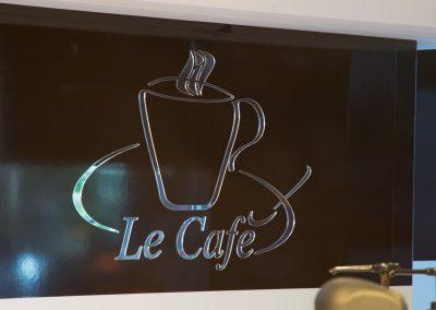 Обемен знак Le Cafe, хотел Интернациоанал