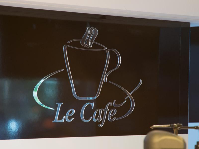 обемен знак Le Cafe