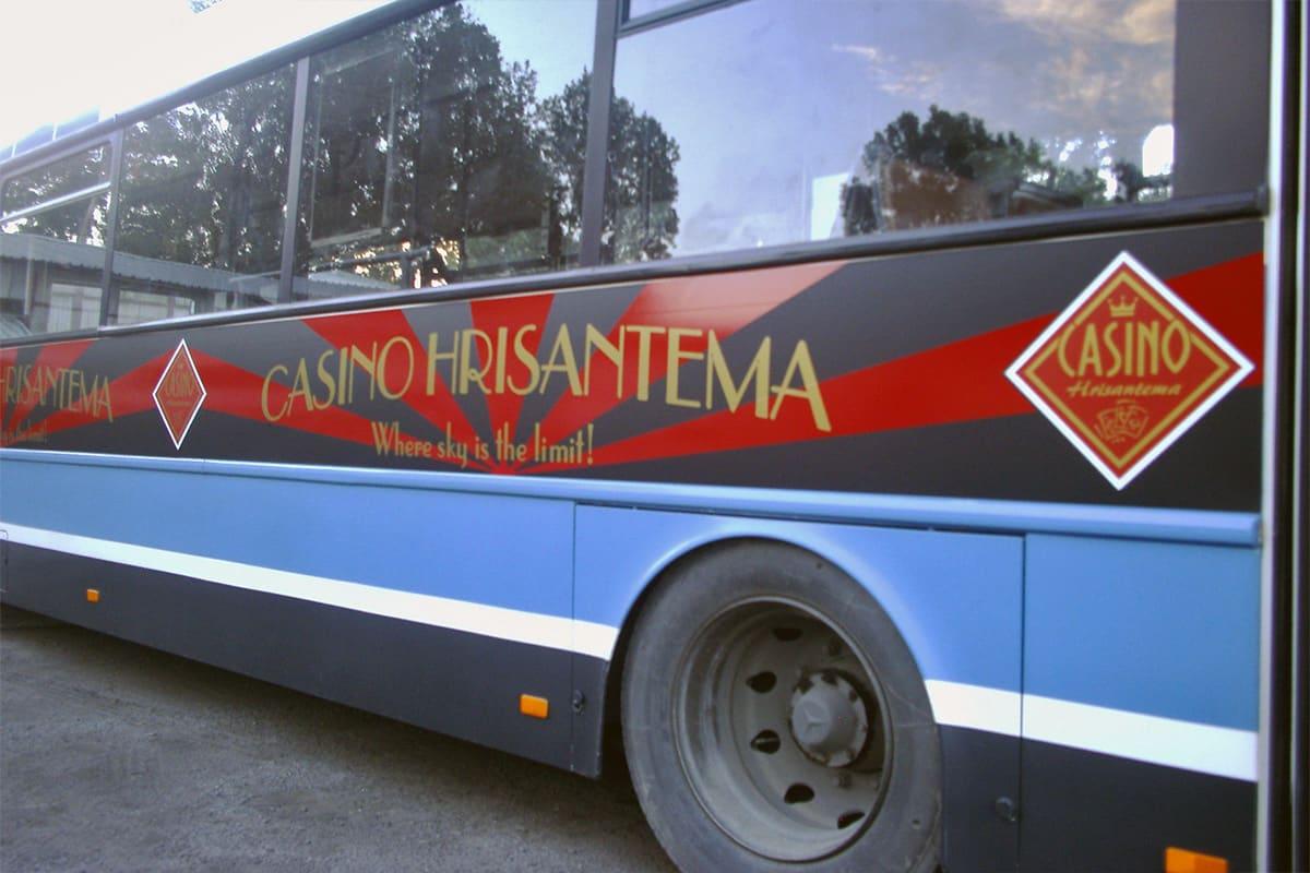 Транспортна реклама върху градски автобус - Казино Хризантема
