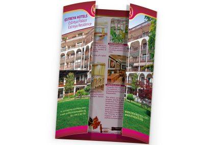 брошура за хотел, тип сгъване: Open Gate