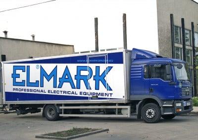 Камион с рекламна графика върху карусерията - ELMARK