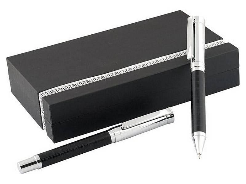 химикалка и ролер в черна кутия от картон