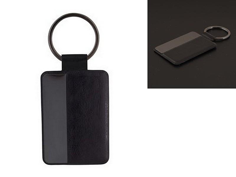 черен кожен ключодържател с метална плочка