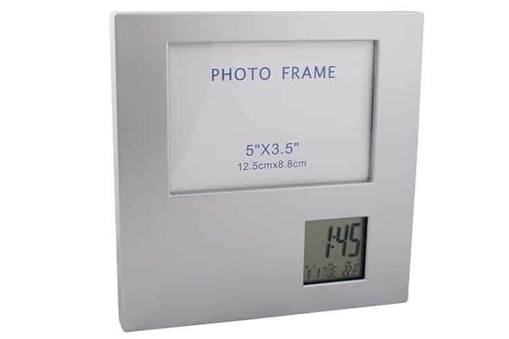 фото рамка с часовник за реклама
