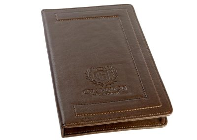 кожена папка меню с релефен печат, кафява