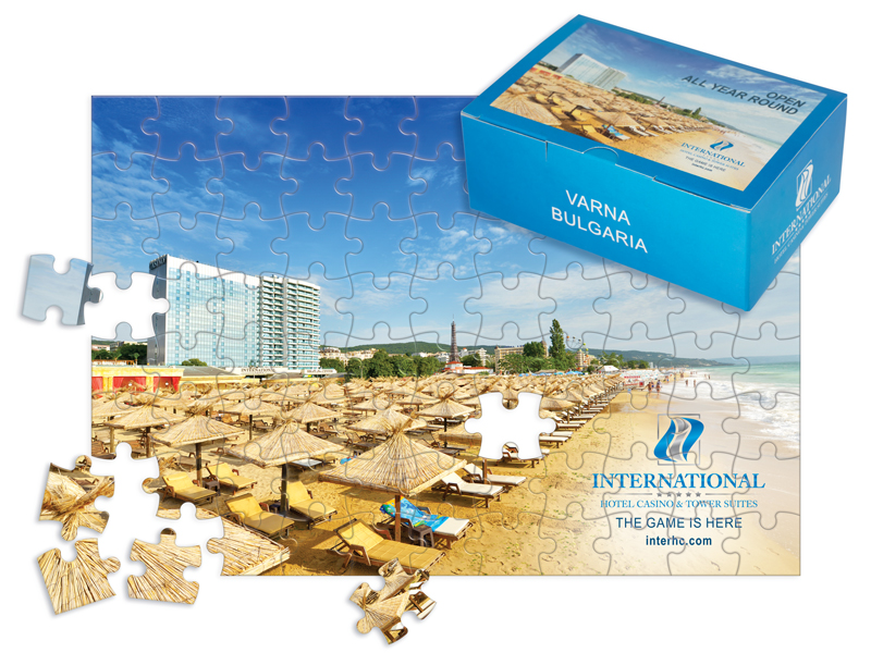 Снимка на кутийка и рекламен пъзел - тип картичка за Златни пясъци
