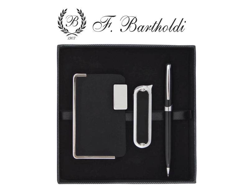 химикалка, визитник, запалка в кутия