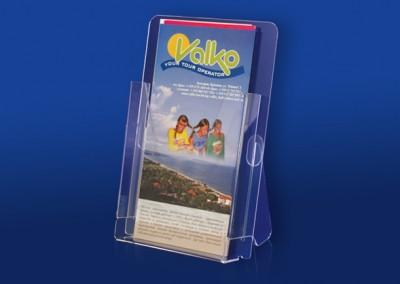 Изображение на стойка с няколко брошури (серия FD поставки за брошури)
