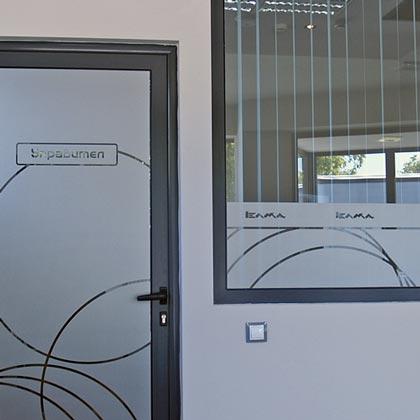 Фолио тип гравирано стъкло за брандиране на витрини