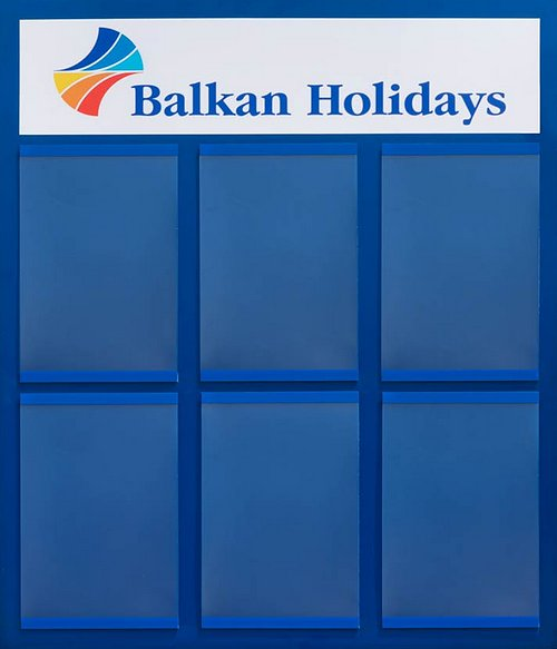 информационно табло с цветна основа и прозрачни джобове